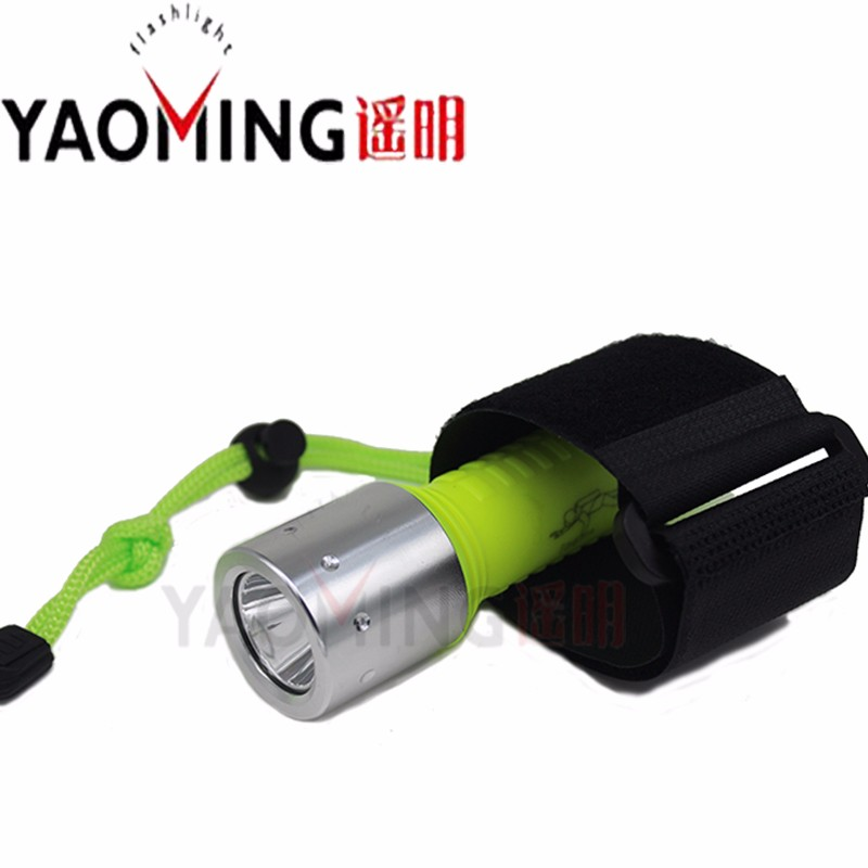 2016-New-Waterproof-Torch-3800LM-underwater-50M-LED-flashlight-Cree-XM-L-T6-Portable-Lamp-Hunting