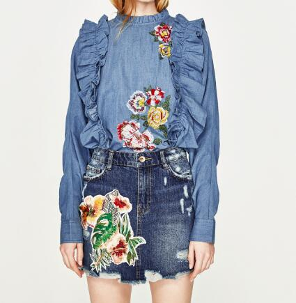 WISHBOP 2017ss New Woman Fashion Navy Blue MINI Denim SKIRT WITH PATCH Flowers  Sequined Detail Short b716bb41b44c