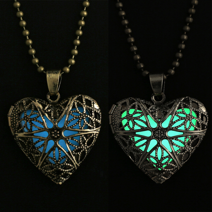 Glowing Necklace Jewelry Glow Heart Pendant Charms