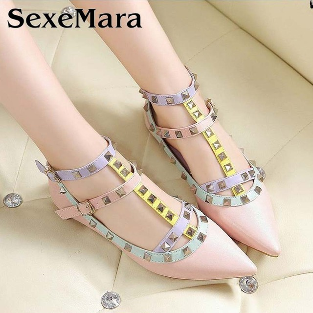 2017 Luxury Hot Fashion Studded Shoes Women's Rivet Shoes Pointed Toe Shoes Leather Ballets Rivet Flats Plus size 33-43