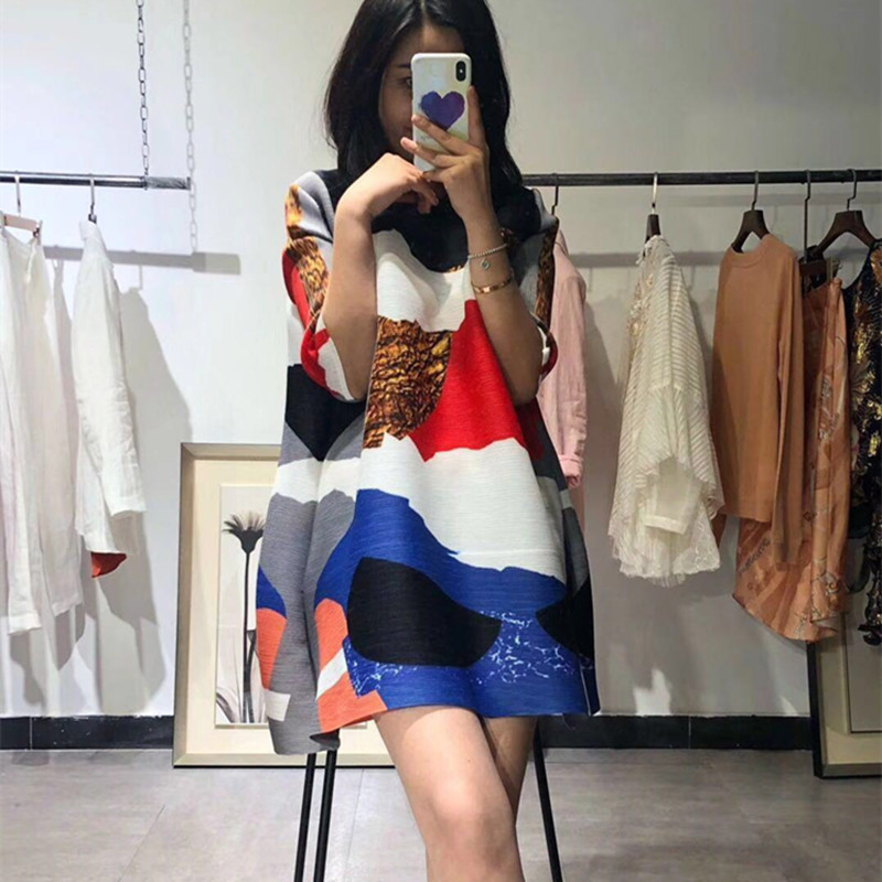 Changpleat 2019 primavera nuevas camisetas estampadas para mujeres Miyak plisado moda cuello redondo suelto tamaño grande mujer Camiseta larga Tide T9 - 4