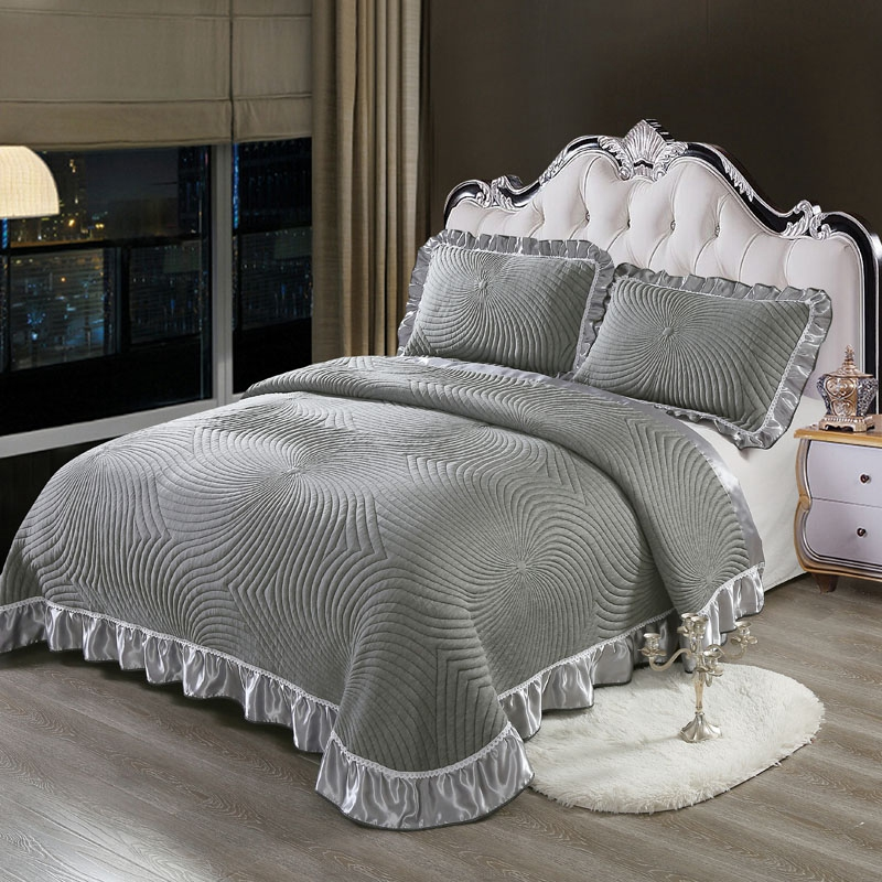 Luxury European Style 3D Gray White High Quality Comfortable Soft Cotton Thick Blanket Lace Bedspread Bed sheet pillowcases 3pcsLuxury European Style 3D Gray White High Quality Comfortable Soft Cotton Thick Blanket Lace Bedspread Bed sheet pillowcases 3pcs