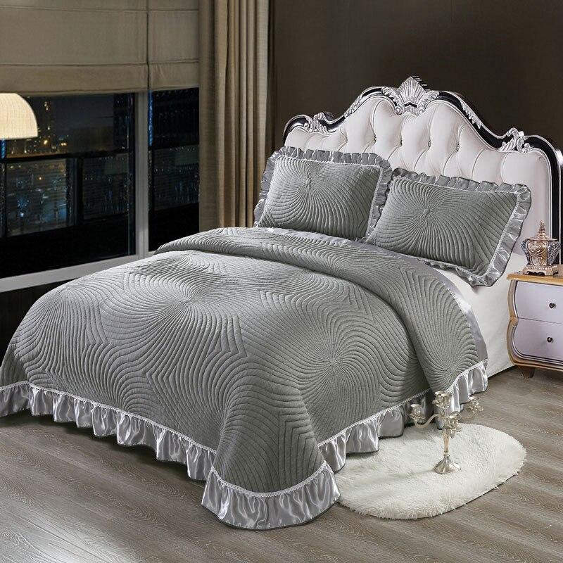 Luxus Europäischen Stil 3D Grau Weiß Hohe Qualität Komfortable Weiche Baumwolle Dicke Decke Spitze Bettdecke Bett blatt kissen 3 stücke-in Tagesdecke aus Heim und Garten bei  Gruppe 1