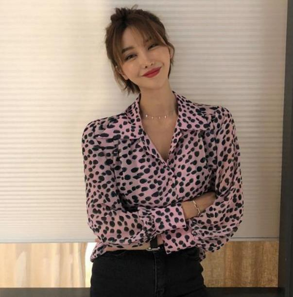Leopard Print Shirt Long sleeve V -Neck Top Loose Blouses 2