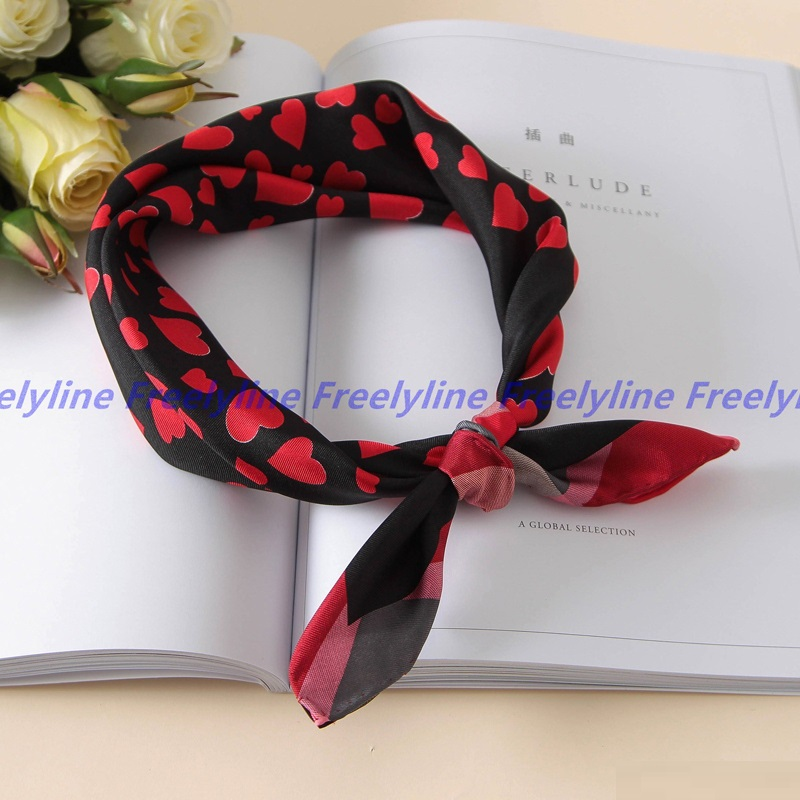 Love Hearts Print Small Square Silk   Scarf   Neckerchief Bandana Fashion 100% Silk Twill   Scarves     Wraps   Clothing Accessories