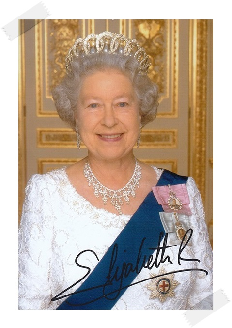 Her Majesty Queen Elizabeth II autographed signed photo 4*6 inches authentic freeshipping  01.2017 his majesty s dragon