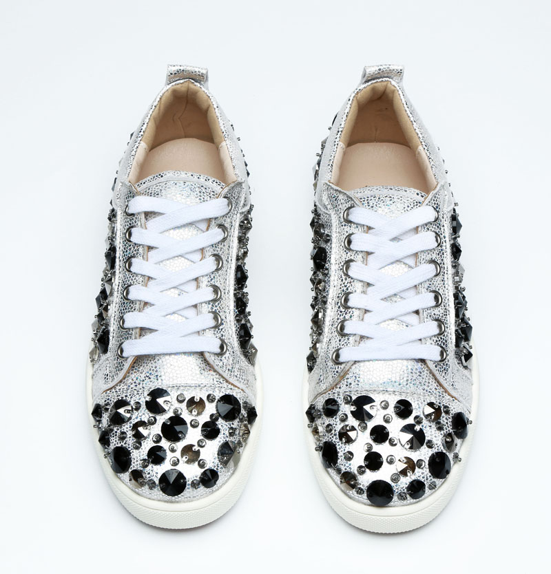 Hot Brand Runway Men Shoes Spike Shoes Rivets Embellish Leather Men Flats Fashion Lace Up Studded Men Sneakers Silver Plus SizeHot Brand Runway Men Shoes Spike Shoes Rivets Embellish Leather Men Flats Fashion Lace Up Studded Men Sneakers Silver Plus Size