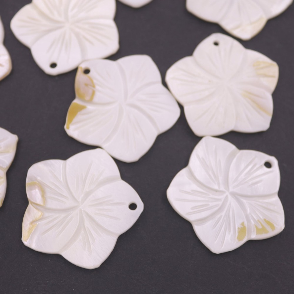 Купить с кэшбэком 10 PCS 40mm Fives Petal Shell Natural White Mother of Pearl Top Hole Loose Beads