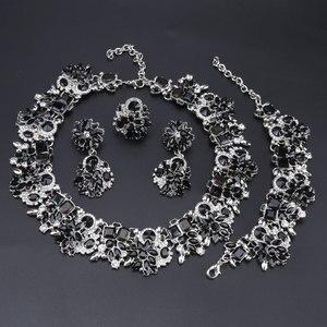 Image 2 - Luksusowy styl dubajski ślubne zestawy biżuterii kryształowe oświadczenie ślubny srebrny platerowany naszyjnik kolczyki zestaw prezent na boże narodzenie dla kobiet
