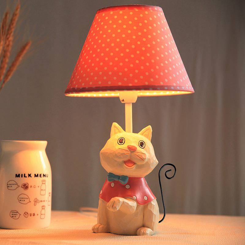 Creative Resin Cat Bedroom Bedsides Table lamp Modern Cute Study room Fabric Lampshade Desk Lights Birthday Gift Table LightingCreative Resin Cat Bedroom Bedsides Table lamp Modern Cute Study room Fabric Lampshade Desk Lights Birthday Gift Table Lighting
