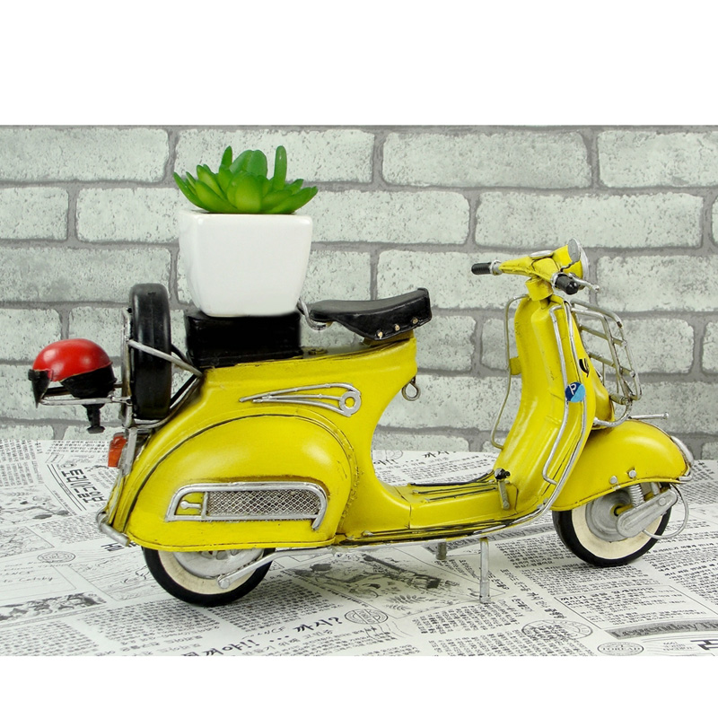 1ed8b393421 Vespa model mini metal motorcycle model yellow RED Italy vintage 1 12  motorcycle toy hot