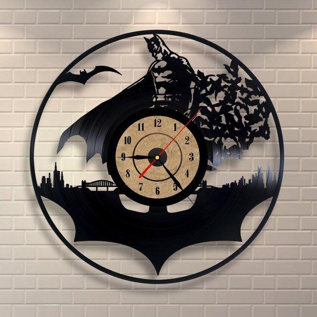 Batman Jam Dinding Modern Desain Dekoratif Kamar Anak Gantung Jam Klasik  Vinyl Dinding Menonton Dekorasi Rumah 25b7cb4b36