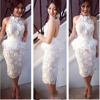 Noble White Lace Sheath Column Halter Neckline Backless Tea Length Cocktail Dress With Feathers Vestido Curto