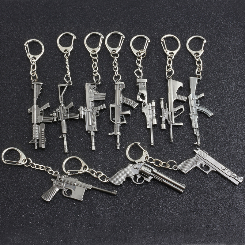 10 Style Guns Weapon Keychain Retro Mini AUG AK47 Rifle Revolver Tank Gun Metal Key Chain For Unisex Cool Gifts Fashion Jewelry