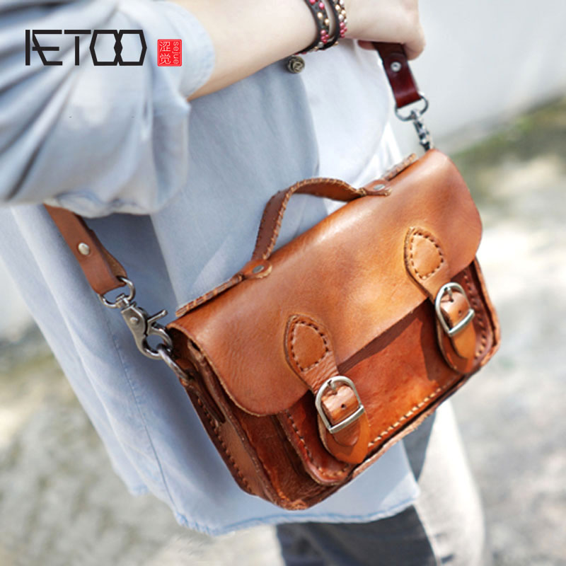 AETOO Hand shoulder shoulder back portable female leather leather Messenger bag small retro wipe color to