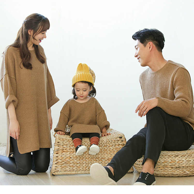 aaa57319f498c Mother and Daughter Clothes 2017 Autumn Winter Korean Family Look Matching  Outfits Mom and Baby Boy Matching Clothes Sweaters