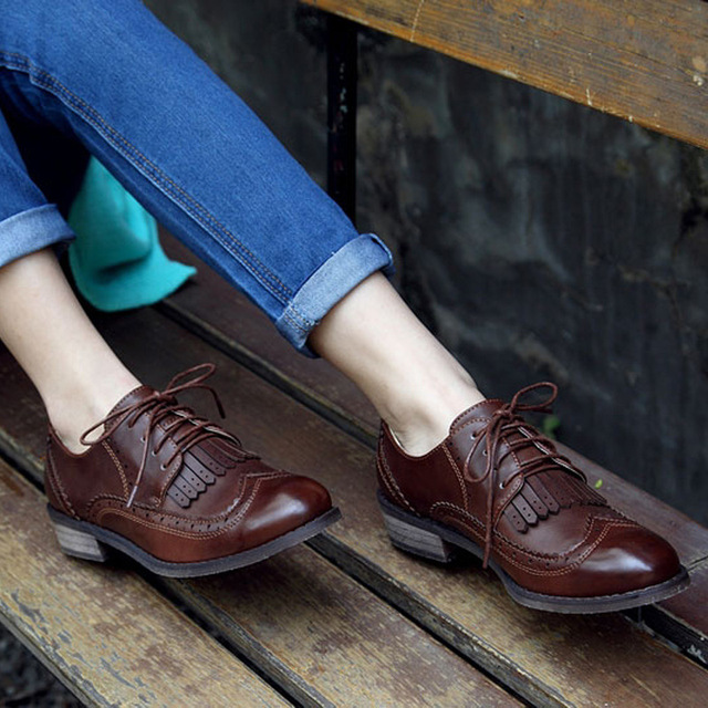 f66fa8119cb New 2015 Vintage PU Leather Tassel Lace Up Women Oxfords Fashion Carved  Brogue Oxford Shoes For Women Ladies Casual Flat Oxfords