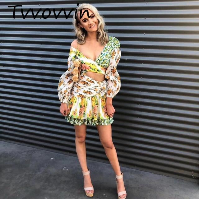 Robe de piste 2018 automne/automne femmes bohème Sexy épaule dénudée jaune Floral imprimé volants Mini robe robes V727
