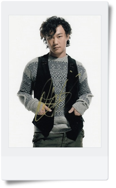 signed Eason Chan autographed  original photo 7  inches freeshipping famous singer 5 versions 08201704 signed tfboys jackson autographed photo 6 inches freeshipping 6 versions 082017 b