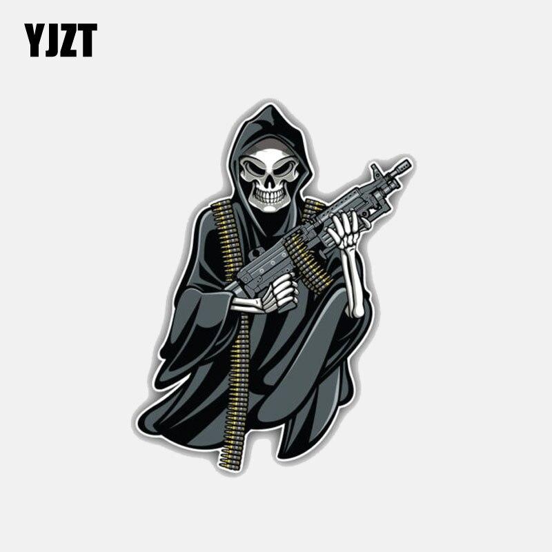 YJZT 8.6CM*11.3CM Car Styling Reaper With Gun Skull Motorcycle Helmet Decal Car Sticker 6-3026