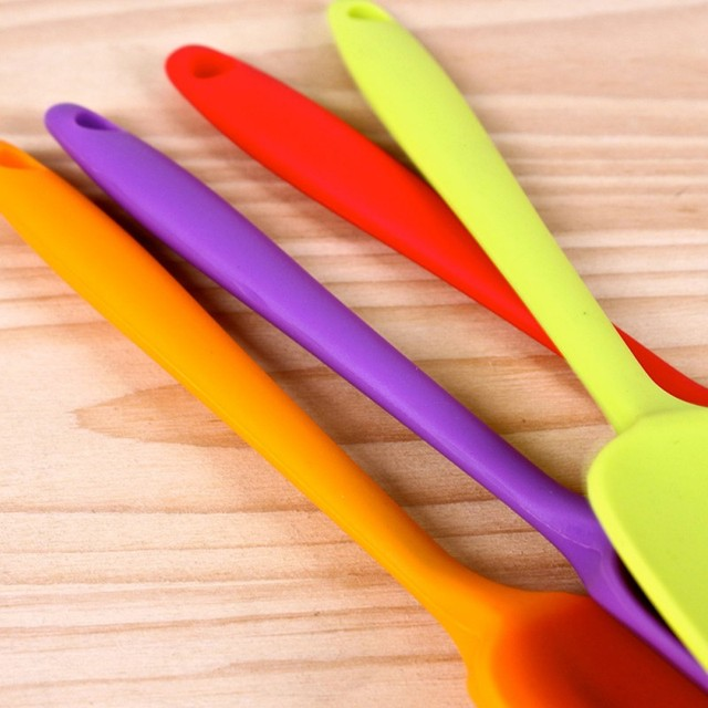Spatule toupet spatule en Silicone   Ustensile de cuisine résistant à la chaleur avec poignée intégrée cuillère grattoir poêle spatule gâteau outil de cuisine
