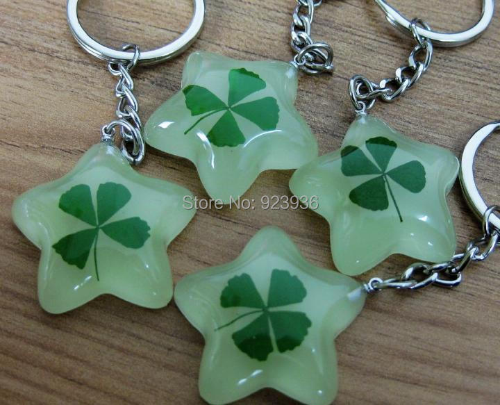 Free Shipping 50 48 pcs Real Four Leaf Clover Keychain Trendy Glowing Five Star Design Green