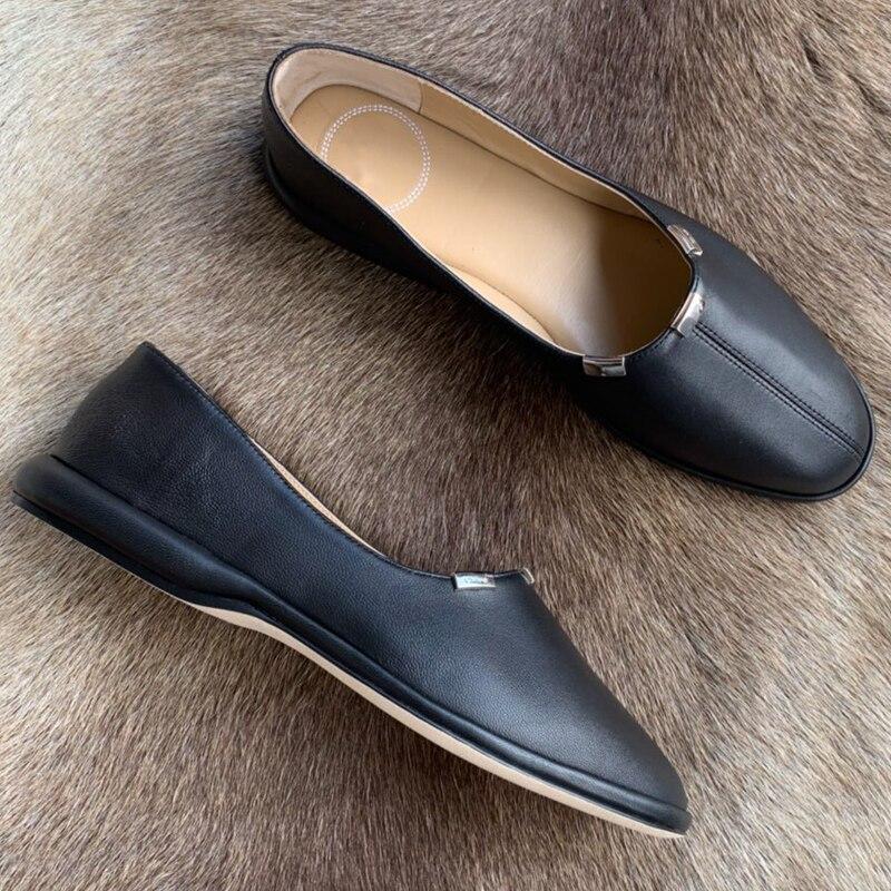 สีดำรอบ Toe รองเท้าแฟชั่นฤดูใบไม้ผลิฤดูร้อนรองเท้าผู้หญิงรองเท้า Designer รองเท้าหนังแบนสำหรับผู้หญิง-ใน รองเท้าส้นเตี้ยสตรี จาก รองเท้า บน   2