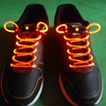 Venda quente Luzes LED Noite Luzes da Decoração LED Cadarços Shoe Laces Cadarços Disco Flash Light Up Vara do Fulgor Strap Partido