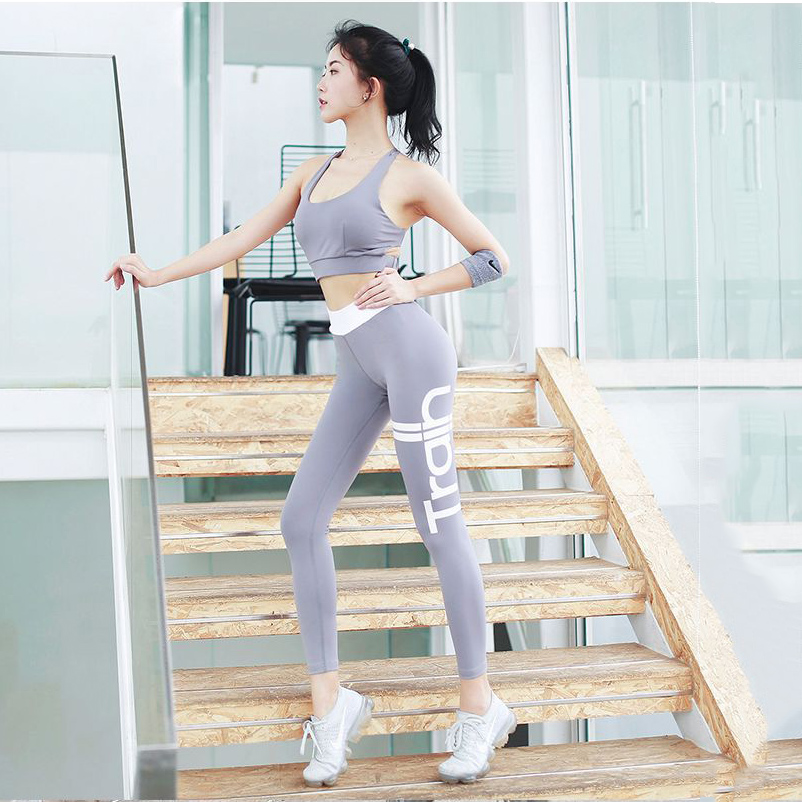 women yoga gray (8)