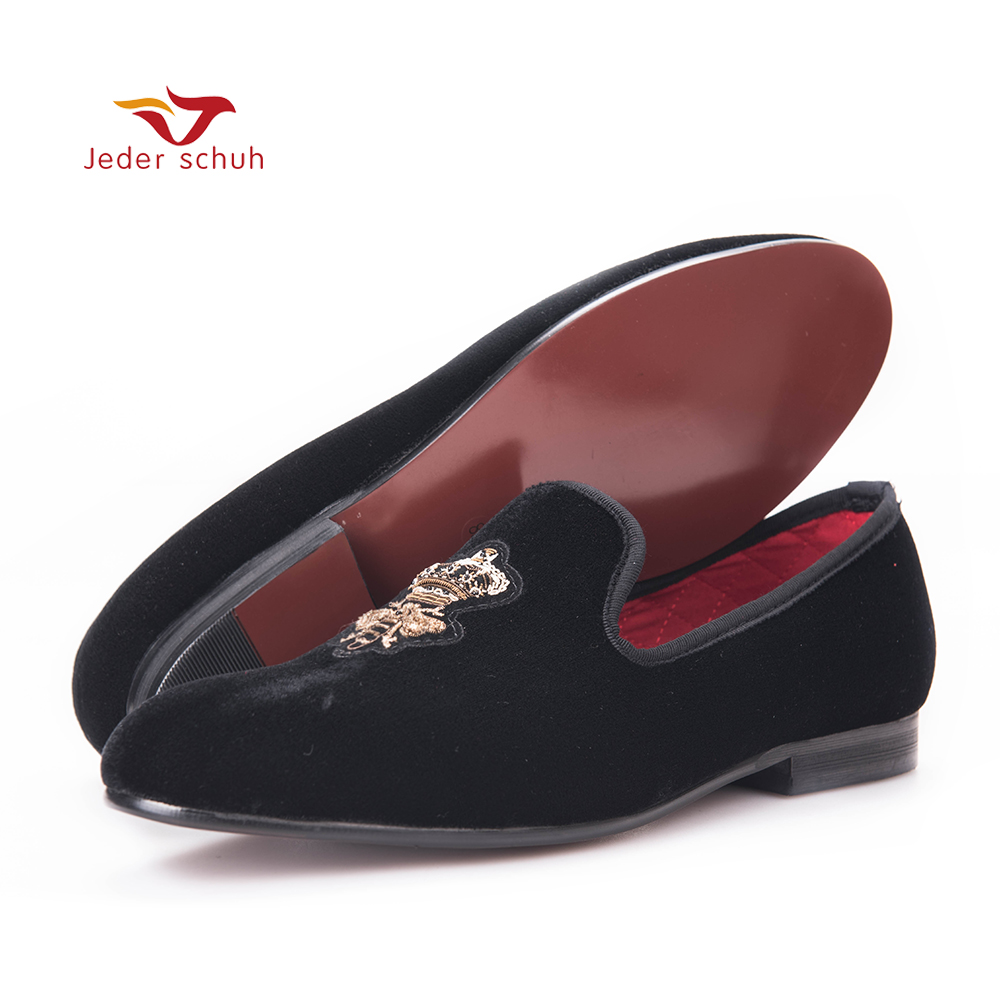 Bees Indian silk embroidery men velvet shoes fashion Men Loafers wedding and party male shoe Men Flats men loafers paint and rivet design simple eye catching is your good choice in party time wedding and party shoes men flats