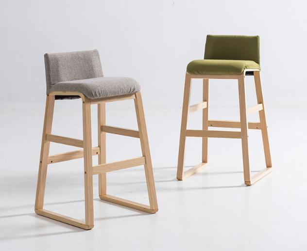 Solid Wood Nordic Bar Stool Modern Minimalist Front Sofa Bar Stool High Chair