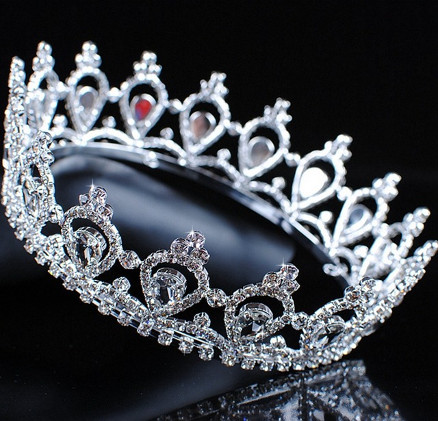 Luxurious Queen Princess Crowns Wedding Bridal Austrian Tiaras Clear Austrian  Rhinestones Crystal Pageant Prom Party 8138aa8c8ffc