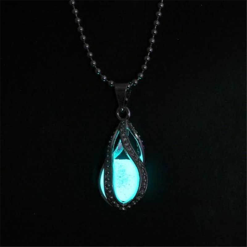 สไตล์สร้อยคอยาวจี้สร้อยคอ Elegant ผู้หญิง Glow ในจี้สร้อยคอส่องสว่างคุณภาพสูง LX110 L0326