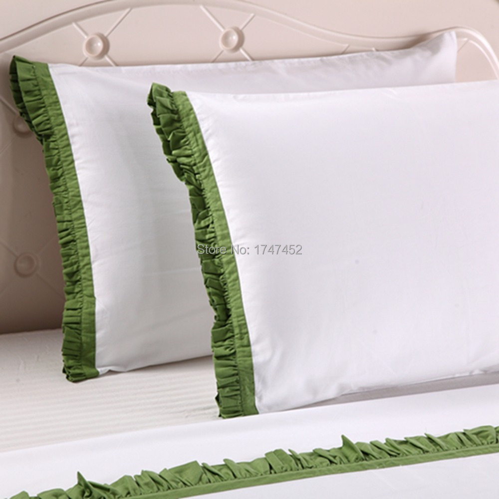 300Thread Count  sheet set with Green flounced300Thread Count  sheet set with Green flounced