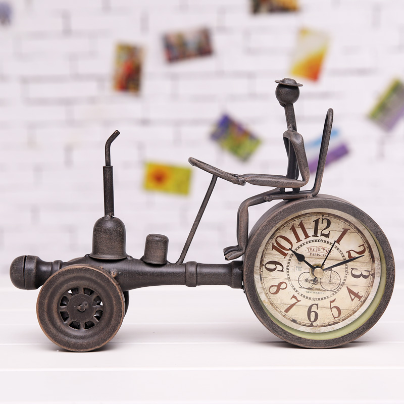 Creative Vintage Metal Tractor Model Table Clock Decorative Wrought Iron  Vehicle Miniature Desktop Art And Craft Embellishment