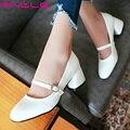 Vinlle 2017 bombas de las mujeres hebilla de correa de otoño primavera zapatos cuadrados Talón Med Zapatos de Las Mujeres de LA PU Blanco de Las Señoras Zapatos de Boda del Tamaño 34-43