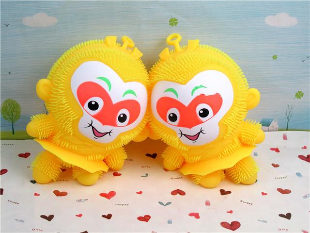 Rey mono Pequeño mono fuera de emisión de luz de juguete bola del mono