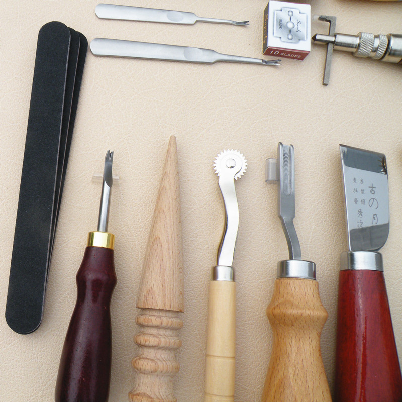 18PCS/SET Leather Craft Punch Tools Kit Stitching Carving Working Sewing Saddle Groover