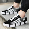 Grafiti Canvas Shoes Men Casual 2017 Autumn Fashion Breathable Low Cut Lace-up Flats Male Stripe Printing Male Shoes Zapatillas