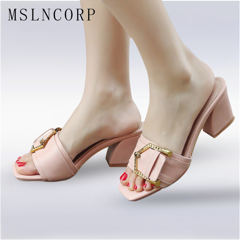 Plus Size 34-43 New Arrival Summer Women Slipper Square Heel Ladies Slides Fashion Chunky Block Med Heels Buckle Sandals Shoes