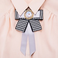 2018 Hot Sale Fabric Bowknot Brooch Luxury Brilliant Crystal For Women Shirt Collar Brooch Classic Jewelry
