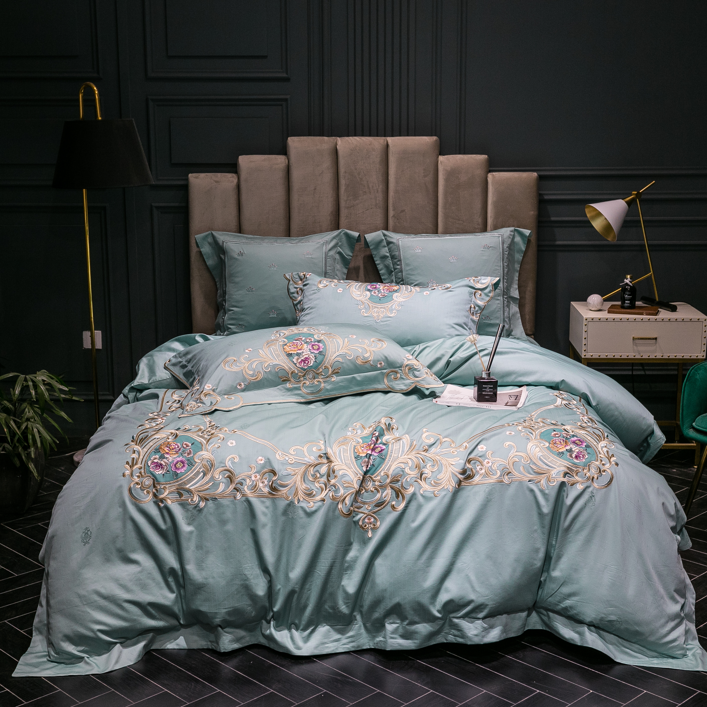 Luxury European Styel embroidery Bedding set 100S egyptian cotton Duvet cover Bed Sheet/Linen Pillowcases 4/6pcsLuxury European Styel embroidery Bedding set 100S egyptian cotton Duvet cover Bed Sheet/Linen Pillowcases 4/6pcs