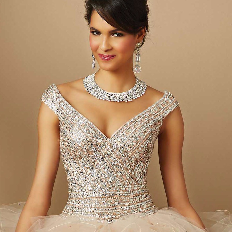Champagne-15-years-Ball-Gowns-Quinceanera-Dresses-with-Silver-Beading-Crystal-2016-V-Neck-New-Fashion (5)