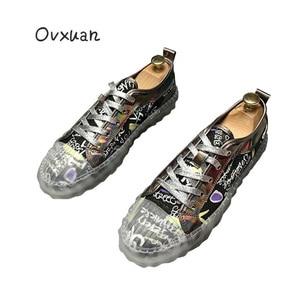 Moda męska czarne buty na co dzień Graffiti przezroczysta podeszwa męskie buty rekreacyjne Hip-Hop trenerzy Runway Zapatos Prom buty wsuwane