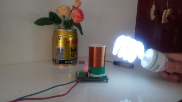 Electronic toys / small Tesla coil / wireless transmission / air / lighting electronic production of crude diy/ short цена
