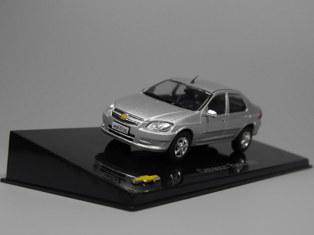 Auto Inn - Ixo 1:43 Chevrolet Prisma 2012 Diecast Model Car