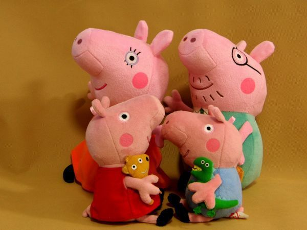 Small Size Peppa pig Family Stuffed Animals Plush Doll Pink Pig Anime Dolls Free Shipping