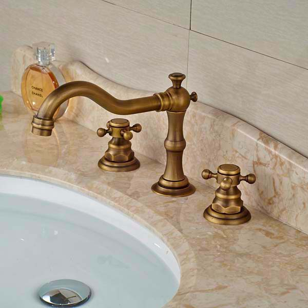 New Style Widespread Antique Brass Bathroom Basin Sink Faucet 3 Holes Mixer T