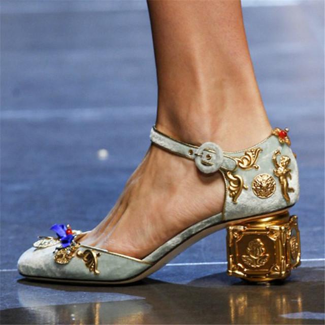 Mary Janes Mulheres do vintage Bombas de Decoração de Metal Cheia Grossas de Salto Alto Sandálias Gladiador Stiletto Sapatos Sapatas de Vestido de Casamento Dos Namorados