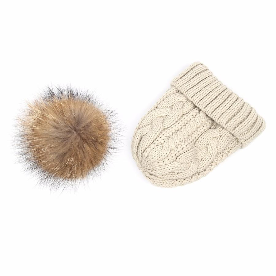 hat female CAP6A18  (17)